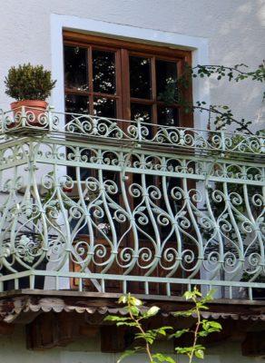 Balustrada przy schodach – wygoda i ozdoba